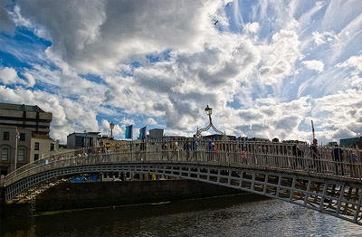 Ha' penny Bridge | MarianeOne (flickr.com) – CC BY-NC-ND 2.0