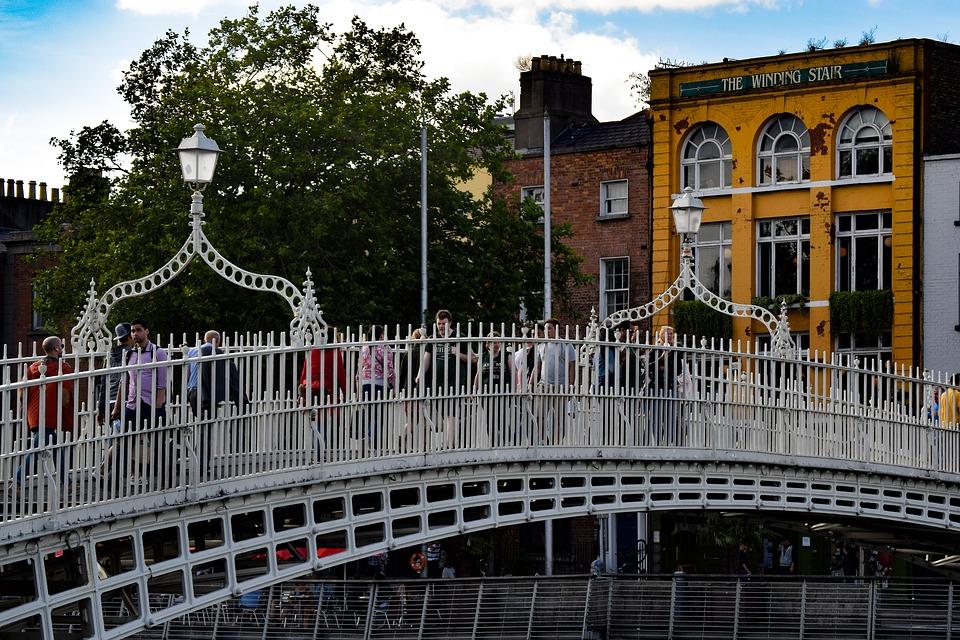 Ha' penny Bridge, un pont historique