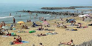 Une plage en déroute