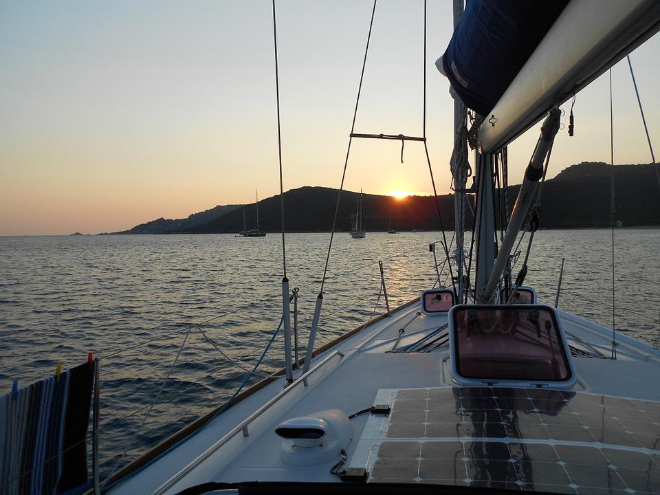 Louer un voilier en Corse pour un week-end en amoureux